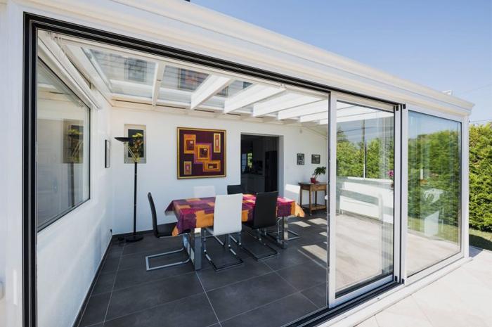 veranda-blanche-toit-vitre