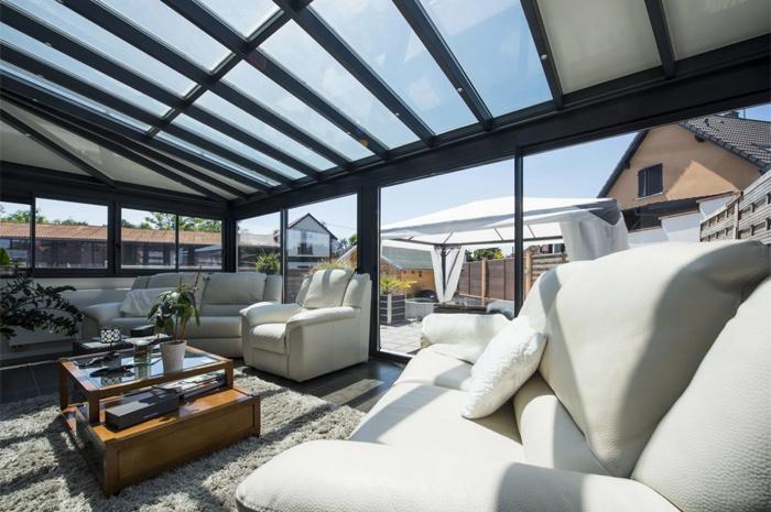 veranda-toit-vitre-gris-anthracite-sejour