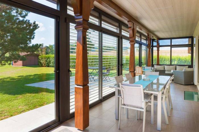 veranda-brun-salle-a-manger-sejour