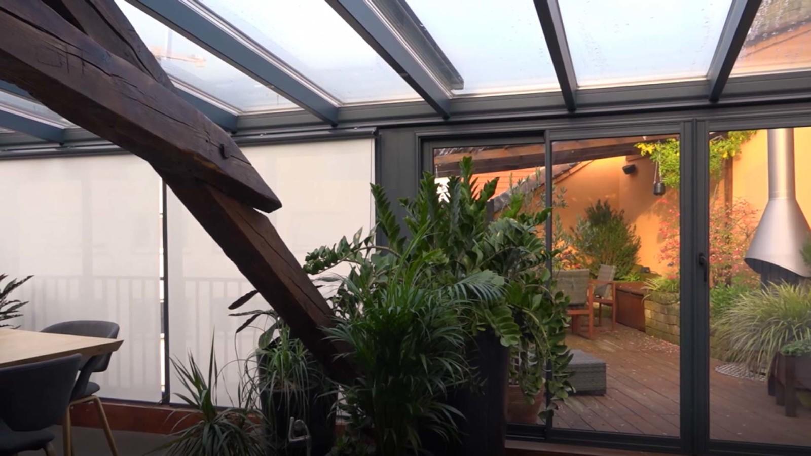 veranda-gris-anthracite-sale-a-manger-leds-plantes
