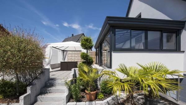 veranda-toit-vitre-gris-anthracite-salon