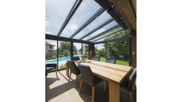 veranda-gris-anthracite-toit-vitre-salle-a-manger