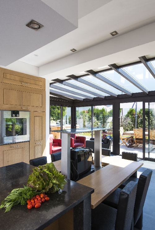 veranda-toit-vitre-cuisine-salon