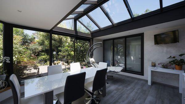 veranda-vitree-moderne-le-verandier